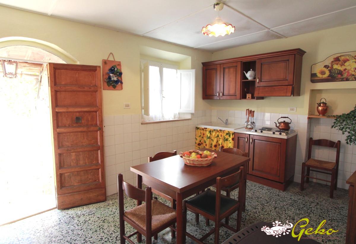 Appartamento in vendita a San Gimignano, 7 locali, prezzo € 245.000 | CambioCasa.it