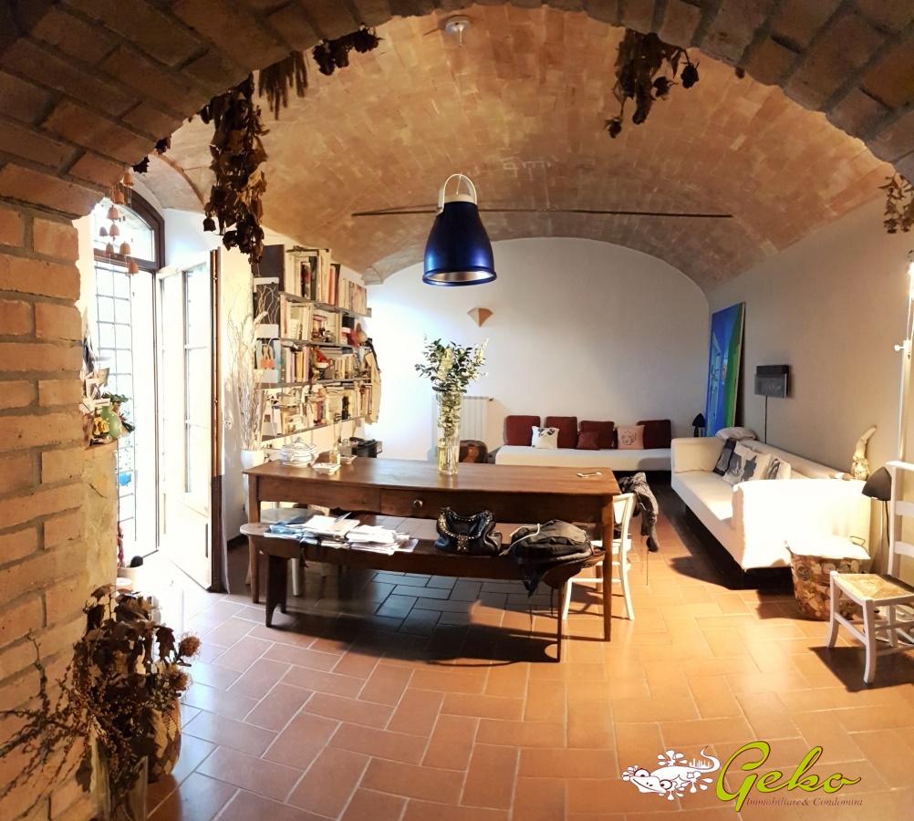 Villa in vendita a San Gimignano, 5 locali, prezzo € 350.000 | Cambio Casa.it