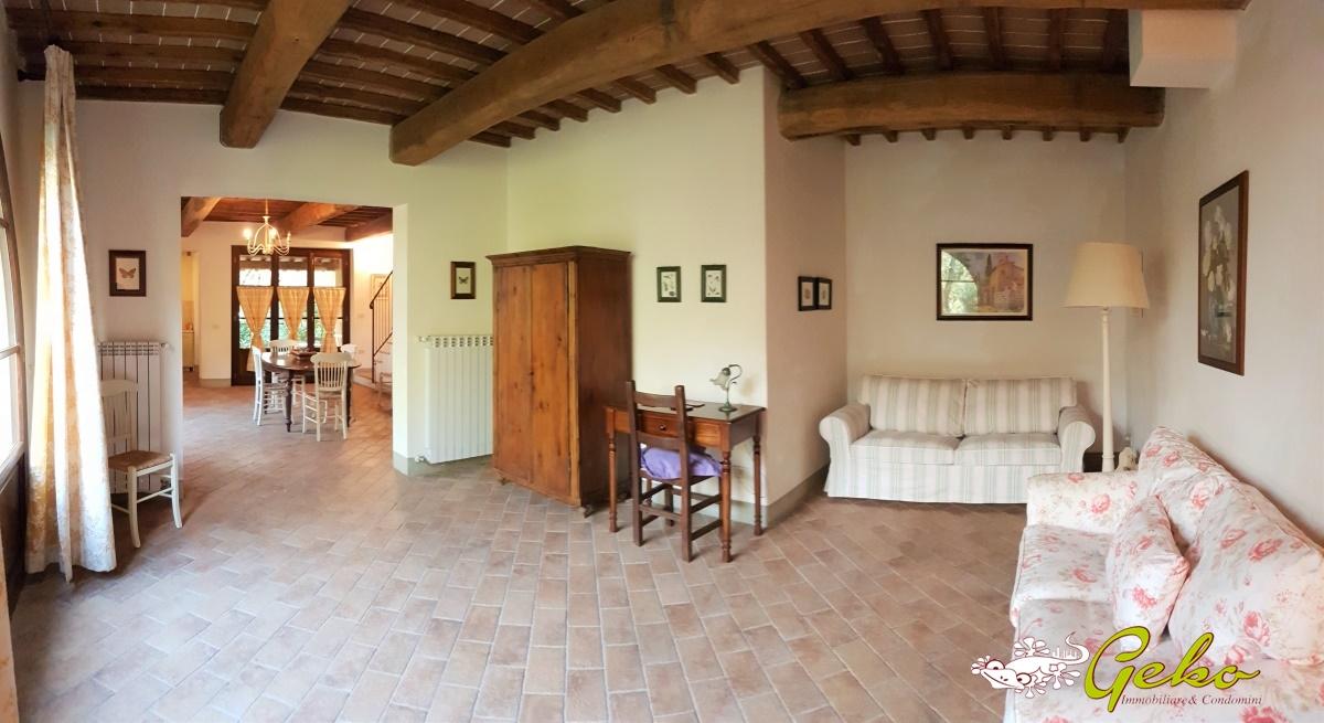 Villa in vendita a San Gimignano, 5 locali, prezzo € 350.000 | CambioCasa.it
