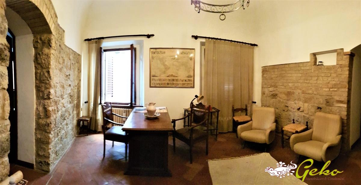 Appartamento in affitto a San Gimignano, 5 locali, prezzo € 600   CambioCasa.it
