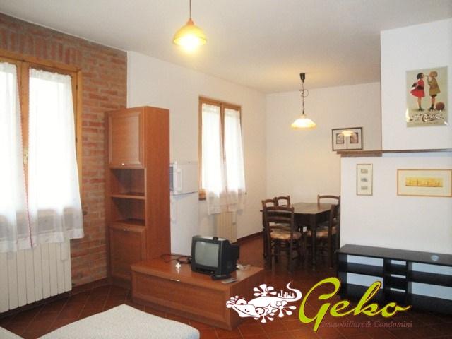 Villa in affitto a San Gimignano, 4 locali, prezzo € 500 | CambioCasa.it