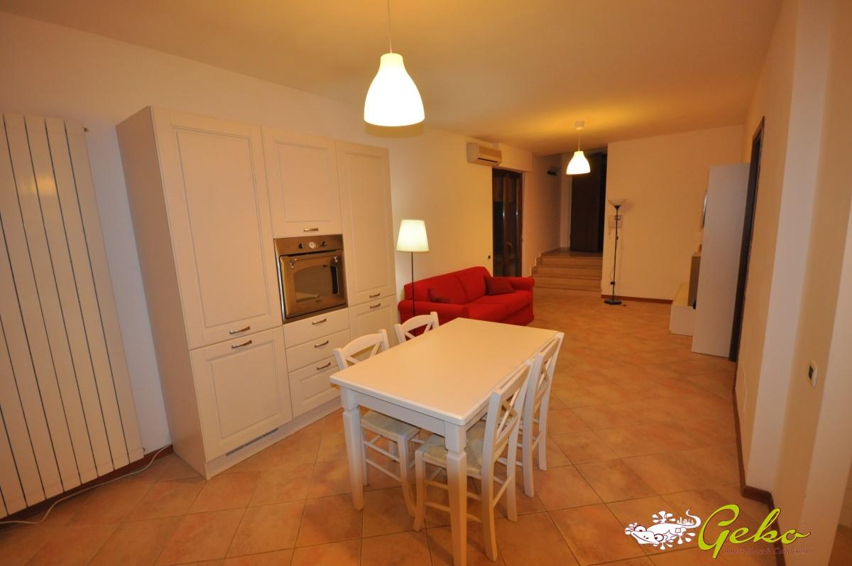 Appartamento in affitto a San Gimignano, 4 locali, prezzo € 630 | CambioCasa.it