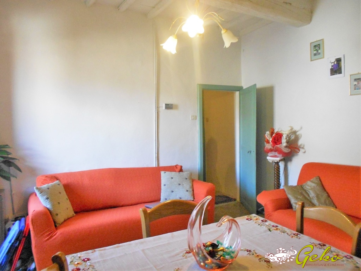 Appartamento in vendita a San Gimignano, 11 locali, prezzo € 450.000 | CambioCasa.it