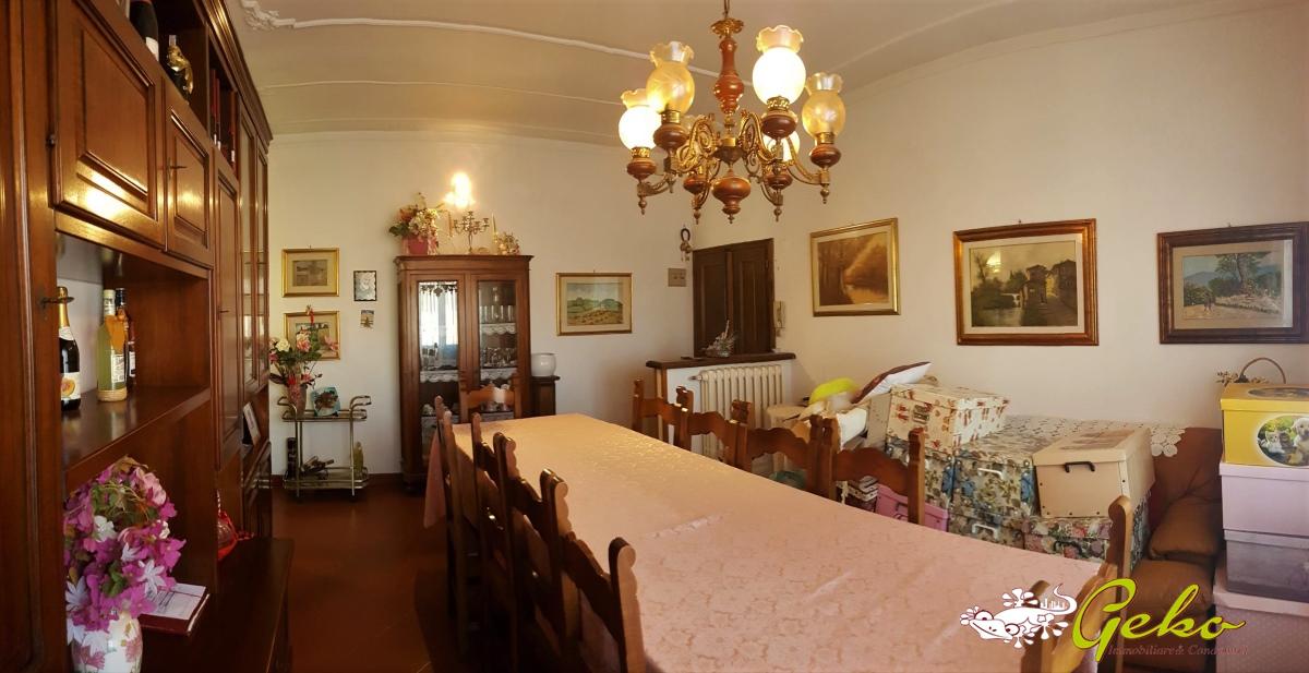 Appartamento in vendita a San Gimignano, 4 locali, prezzo € 235.000 | CambioCasa.it