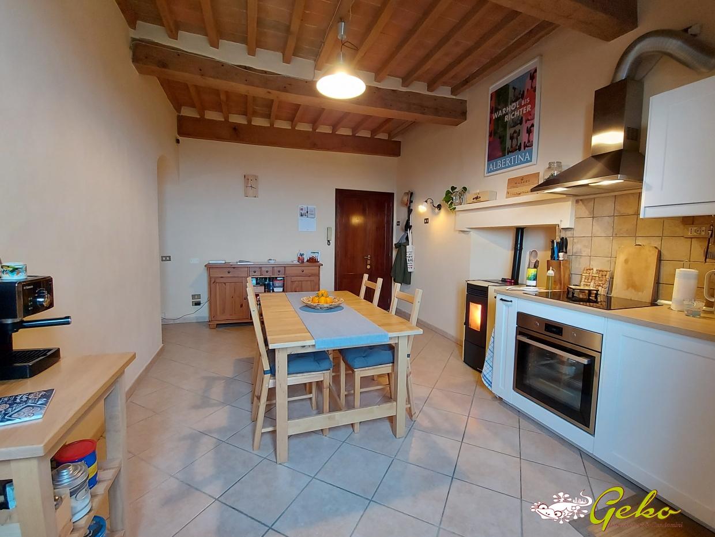 Appartamento in vendita a San Gimignano, 3 locali, prezzo € 105.000 | CambioCasa.it