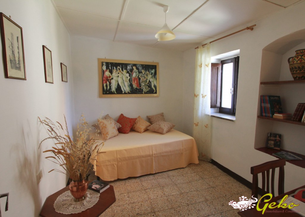Sale Apartments San Gimignano - Rustic house 120smq with garden in the historical centre Locality