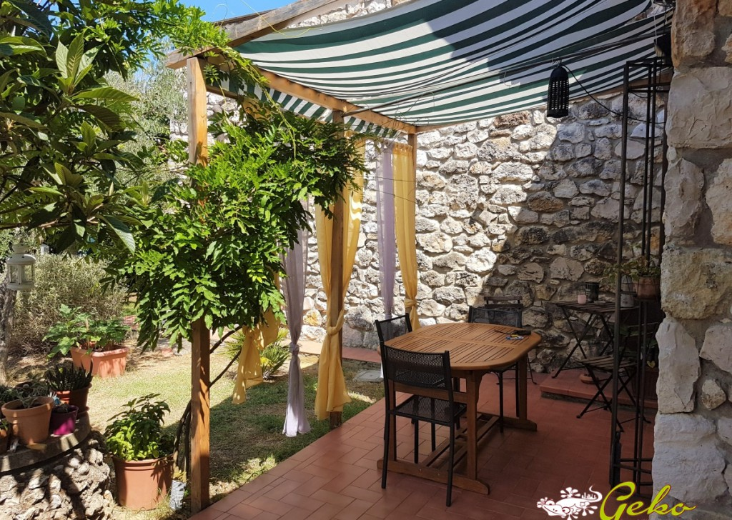 Sale Semi-Independent Colle di Val d'Elsa - Portion of villa - 160 sm with large and panoramic garden Locality