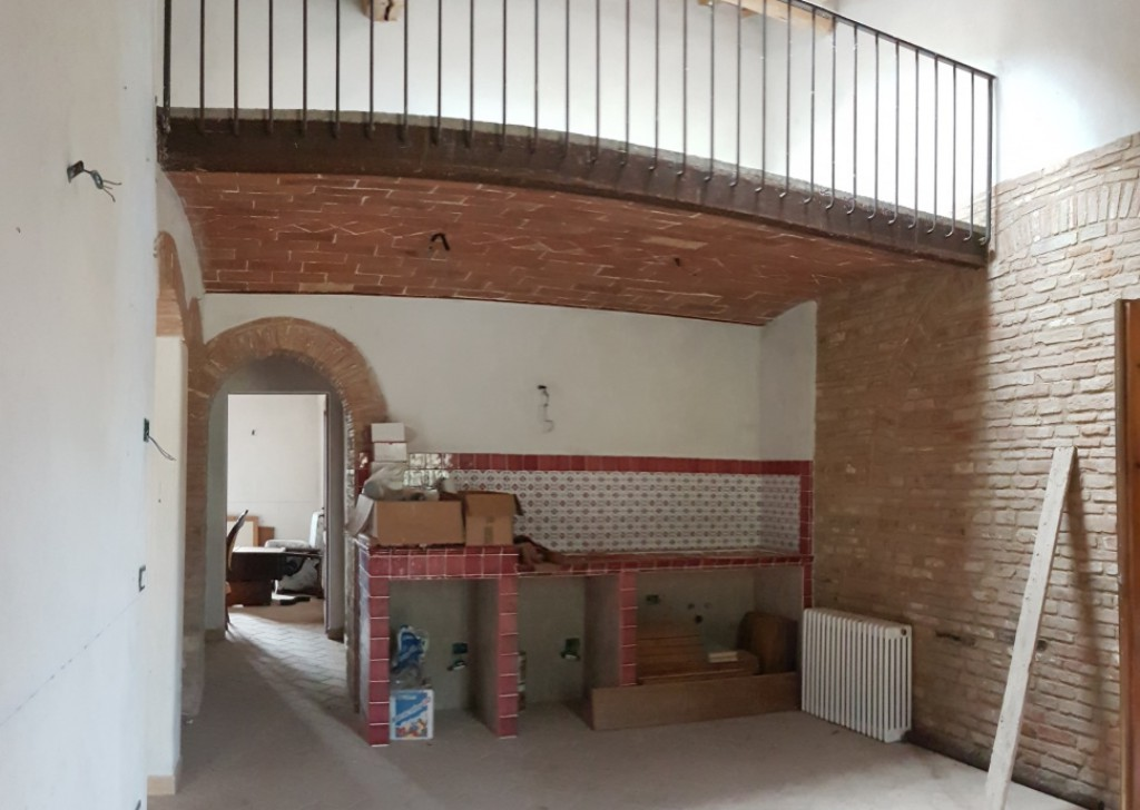 For Sale Houses in countryside San Gimignano - Refurbished flat with garden in countryside Locality