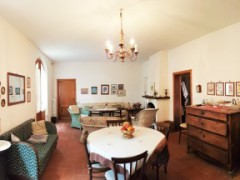 Rural house with land - 2 km far from Hostorical centre of San Gimignano - 10