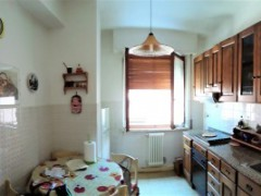 apartment 100 sqm with terrace , basement and parking close to the Centre - 3