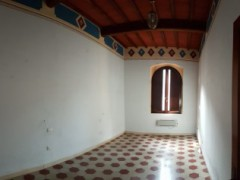 Prestigious building 350  sm in the historical centre with garage  - 8