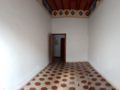 Prestigious building 350  sm in the historical centre with garage  - 7