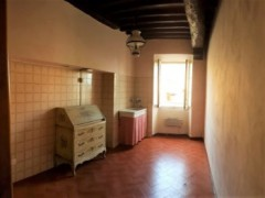 Prestigious building 350  sm in the historical centre with garage  - 5