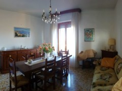 Flat 80 sqm  with balcony and view - close to the historical centre  - 1