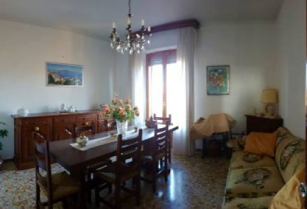 Flat 80 sqm  with balcony and view - close to the historical centre