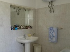 flat ground floor 148 sqm with private garden and garage - 9