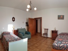 COUNTRY HOUSE 165 SQM WITH GARDEN AND LAND - 10