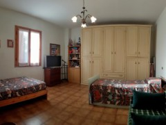 COUNTRY HOUSE 165 SQM WITH GARDEN AND LAND - 11