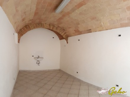 Craft local - 18 sqm near the historical centre